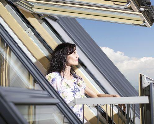 STOGO TERASOS, stoglangių sistemos, dviejų varčių langas, stogo balkonas, WExpert, plastikiniai langai, durys